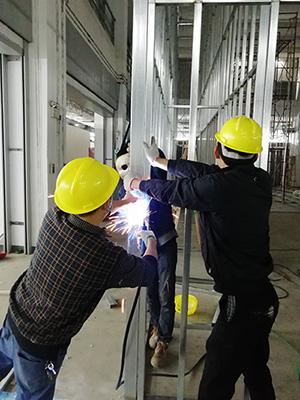 励之闻-焊工组